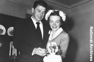 Wedding picture of Nancy and Ronald Reagan
